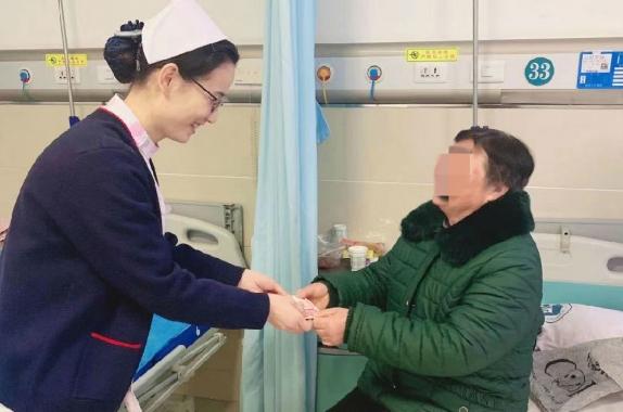 治病救人疗效好 捐款帮扶暖人心