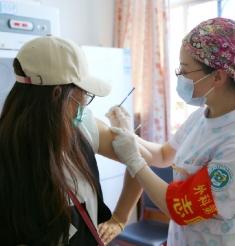 有序接种新冠疫苗 共筑和谐健康防线